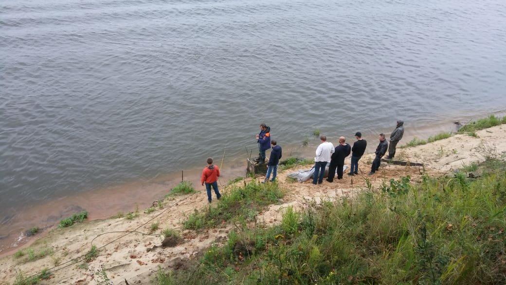Пассажир Chevrolet Niva утонул в Оке у деревни Липовицы вместе с машиной - фото 1
