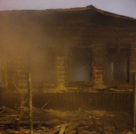 Жилой дом сгорел в Ленинском районе - фото 3