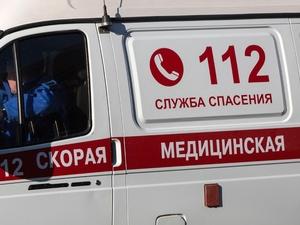 Юноша и его спутница попали в больницу после встречи их мотоцикла с УАЗом