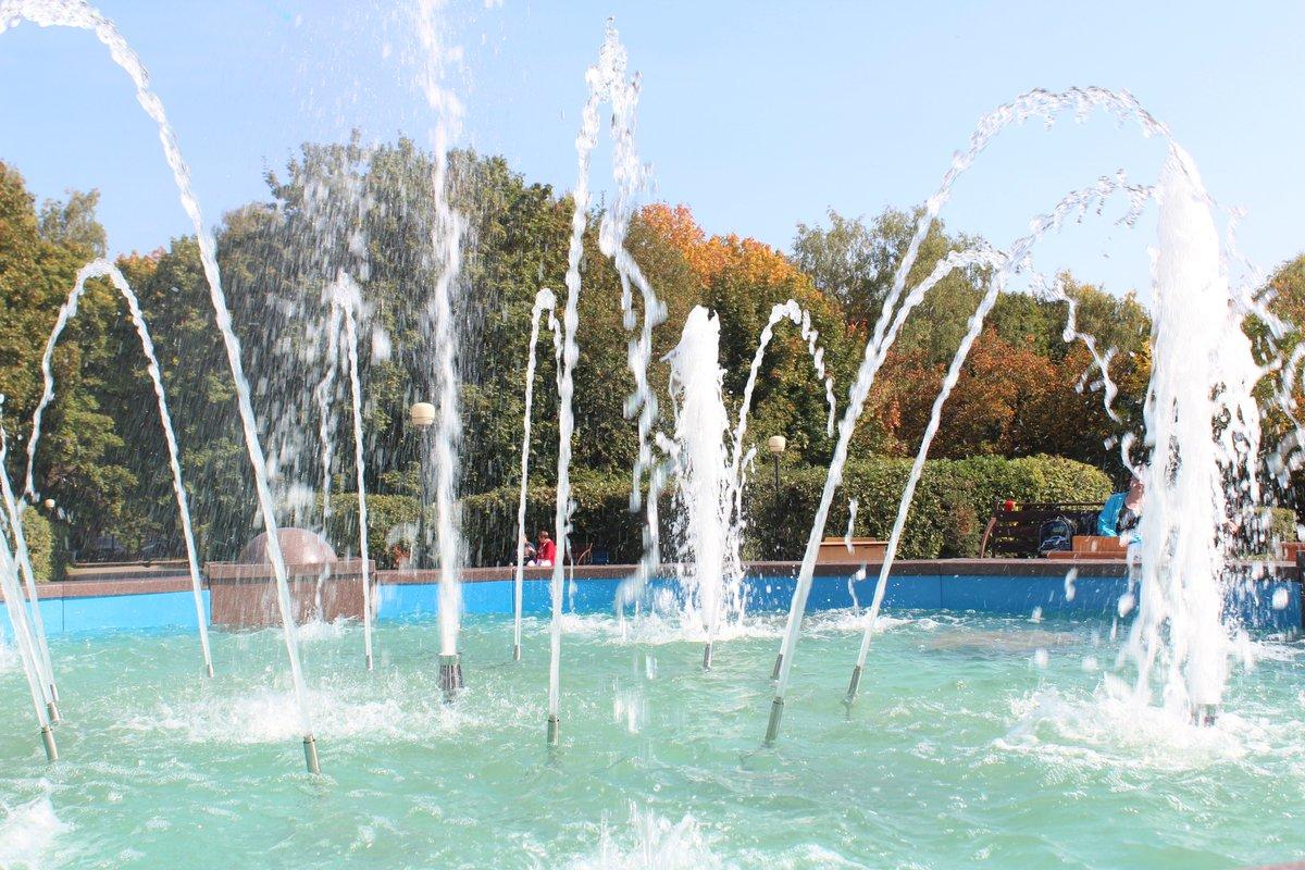 Отремонтированный фонтан заработал в сквере 65-летия Победы на улице Бекетова - фото 1