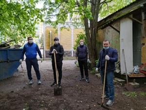 Четыре грузовика мусора вывезли с территорий нижегородских объектов культурного наследия
