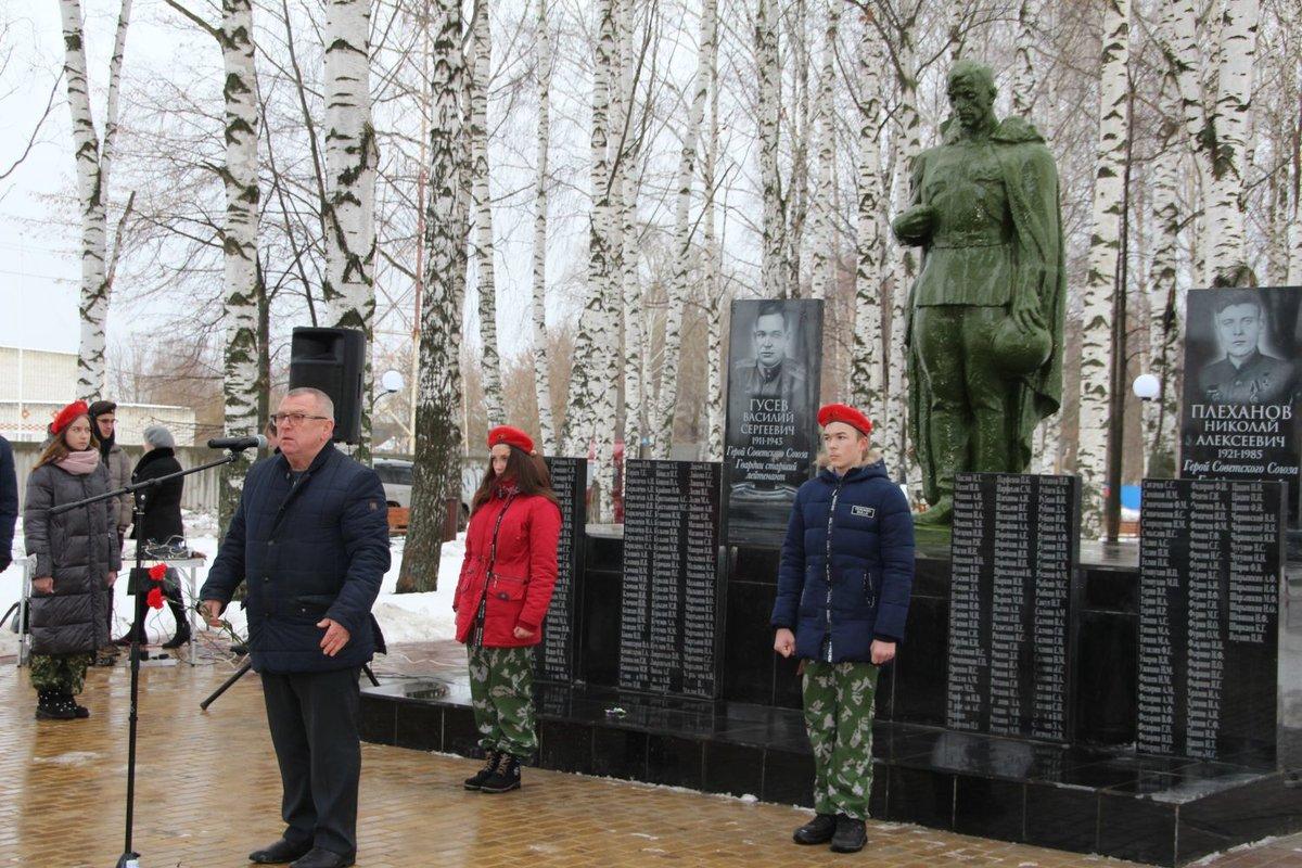 Памятник солдату отреставрировали в Сергаче - фото 1