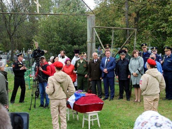 Останки летчика, погибшего на Курской дуге, захоронили на родине в Нижегородской области - фото 2