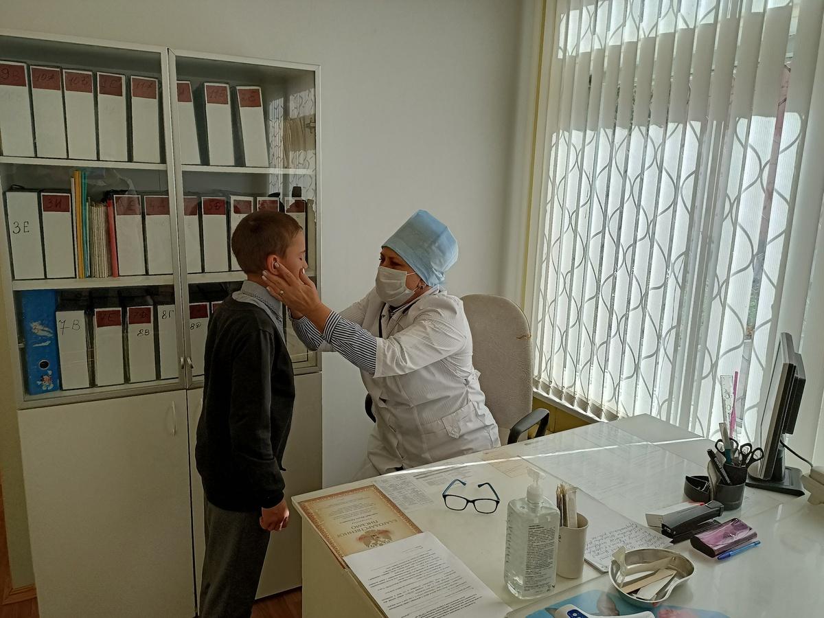 Более 1200 детей привили от гриппа в первый день вакцинации в Нижегородской области - фото 1