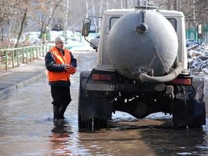 С улиц Нижнего Новгорода за сутки откачали 1,8 тысячи кубометров воды