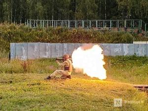 «Оценка огнеметчикам — «пять». Как нижегородские росгвардейцы учатся из «Шмеля» стрелять
