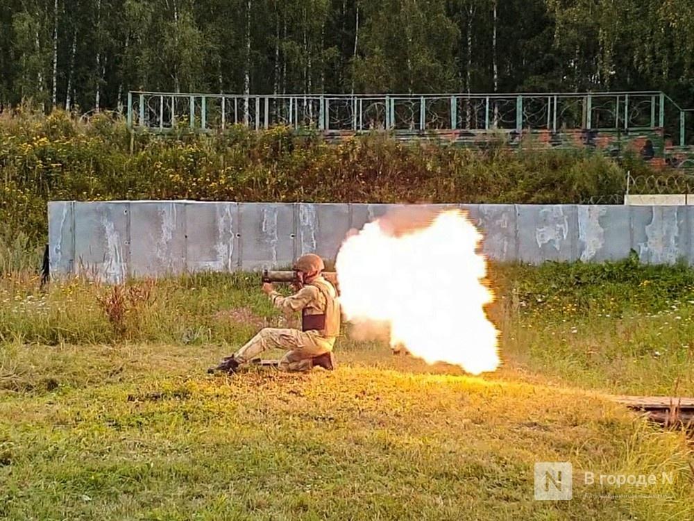 «Оценка огнеметчикам — «пять». Как нижегородские росгвардейцы учатся стрелять из «Шмеля» - фото 1