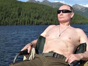 Владимир Путин прокомментировал свои фотографии «в полуголом виде»