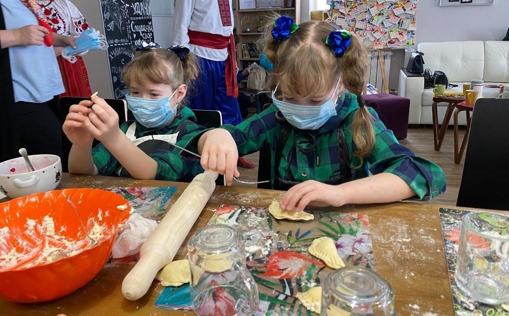 Украинские блюда научились готовить дети в нижегородском «Хулиганодоме» - фото 1