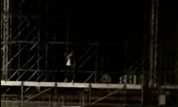 «Повязали рэпера»: одинокий исполнитель на сцене на площади Минина и Пожарского привлек внимание полиции - фото 1