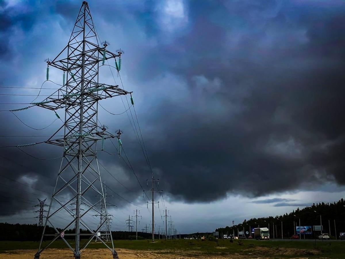 Нижегородские энергетики борются с последствиями сильной грозы - фото 1