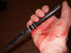 Квартирант в Кстове воткнул нож в шею соседа