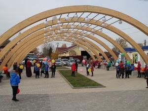 Площадь Свободы в Красных Баках благоустроили за 4,3 млн рублей